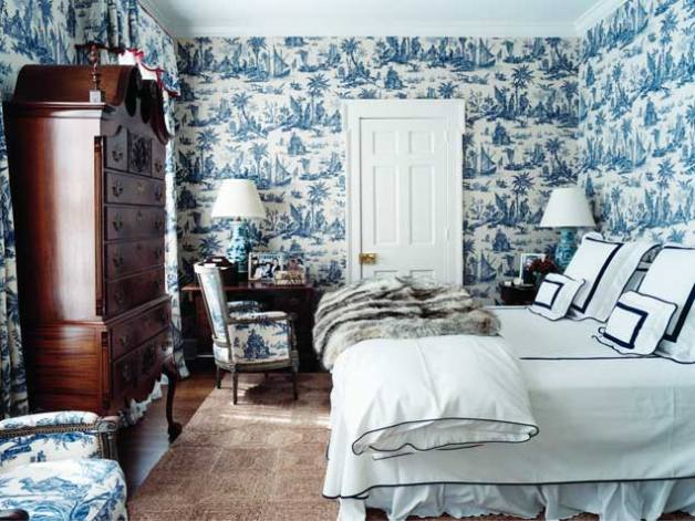 toile-de-jouy-wallpaper-fabric-blue-white-decor-francois-halard-home-blue-tradional-bedroom-decorating-room-ideas
